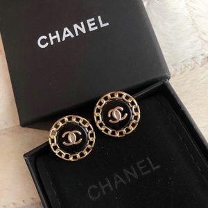 logo round circle earrings